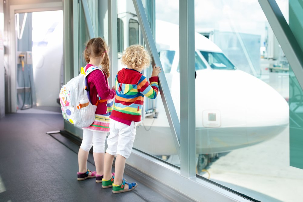 Traveling with Kids? Be a Friendly Flier and NEVER Do These Things on a Plane